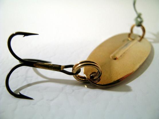 Fish hook for backlinks