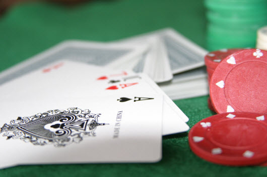 learn online marketing with poker